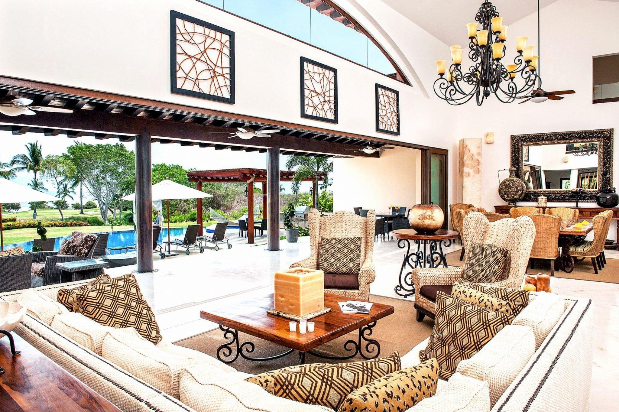 Interior punta mita homes for rent casa joya del mar for Grand living room